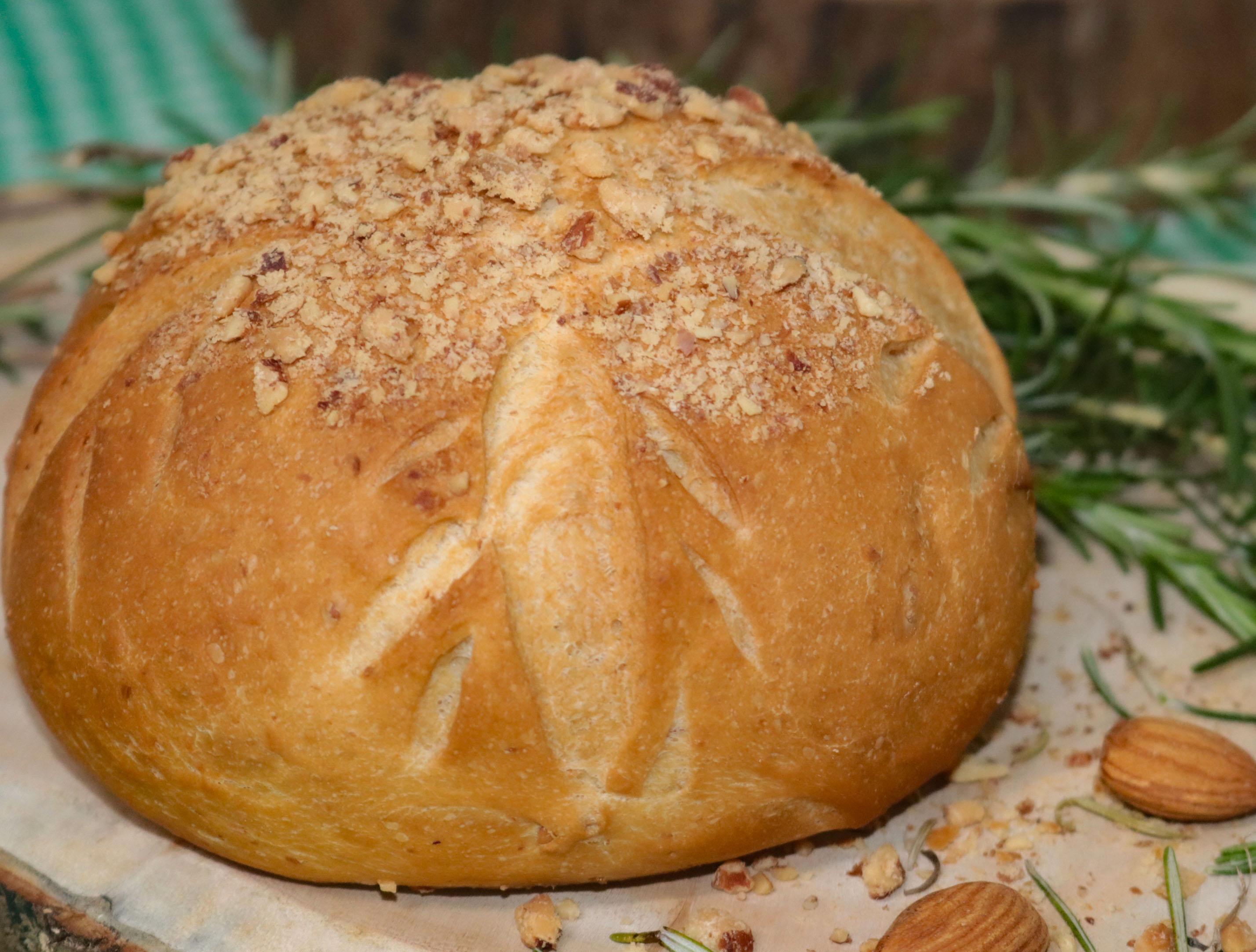 Pão com Amêndoas e Alecrim